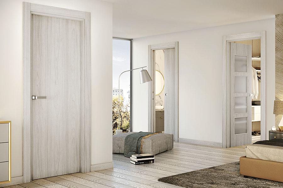 puertas de madera gris modernas y resistentes