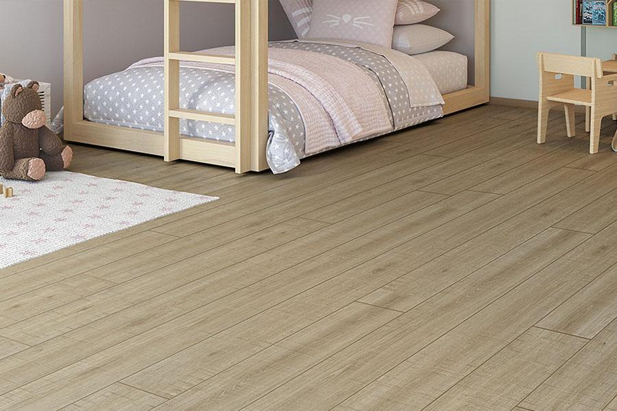 suelo de tarmita flotante en dormitorio infantil muy resistente